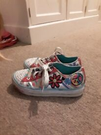 girls SKETCHERS light up trainers size 13 *good condition*