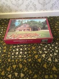 Waddingtons De Luxe 750 piece jigsaw puzzle