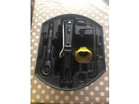 Peugeot 207 sw tool kit for spare tyre/boot