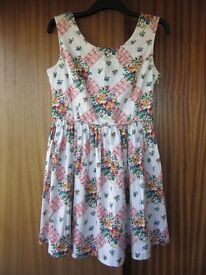 Women's flowerly summer dress