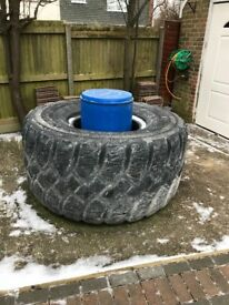 2x Earth moving tyres