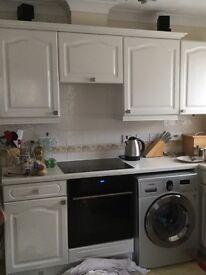Kitchen units for sale. White gloss. Glass display unit.