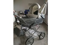 Baby style pram and pushchair with carseat bag and paracel