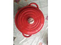 Linea brand Iron cast pot 20cm