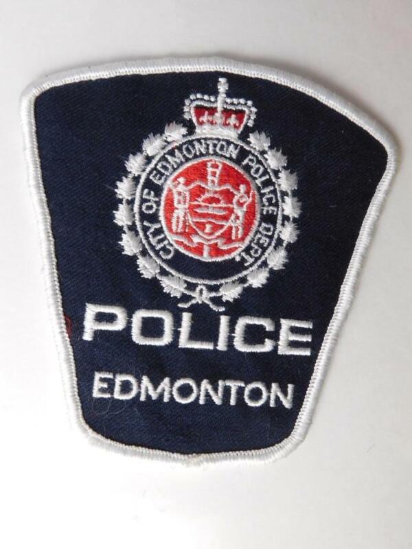 EDMONTON POLICE VINTAGE PATCH BADGE ALBERTA CANADA COAT OF ARMS COLLECTOR