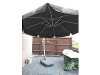 Garden umbrella canterliver