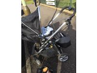 Travel system, in great condition, comes with cosytoes and rain cover