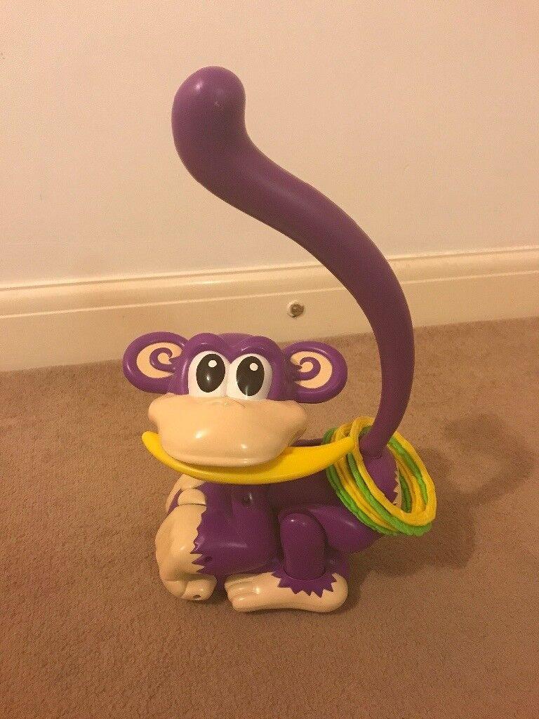 Chasing cheeky monkey game