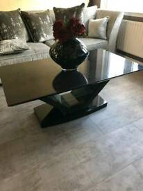Black high gloss coffee table