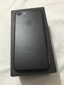 iPhone 7 32gb Matt black excellent condition boxed Apple warranty