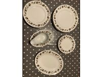 Large Dinner Set for 6 by Alfred Meakin 'Springwood' - 18 Plates, Gravy Boat... - Exc Cond
