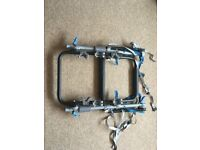 universal 3 cycle carrier, only used 4 times. easy fit cost new £110.00 fits all vehicles