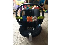 Mamas and papas baby car seat with ISOFIX base £125