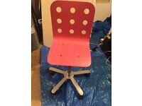 Swivel junior chair
