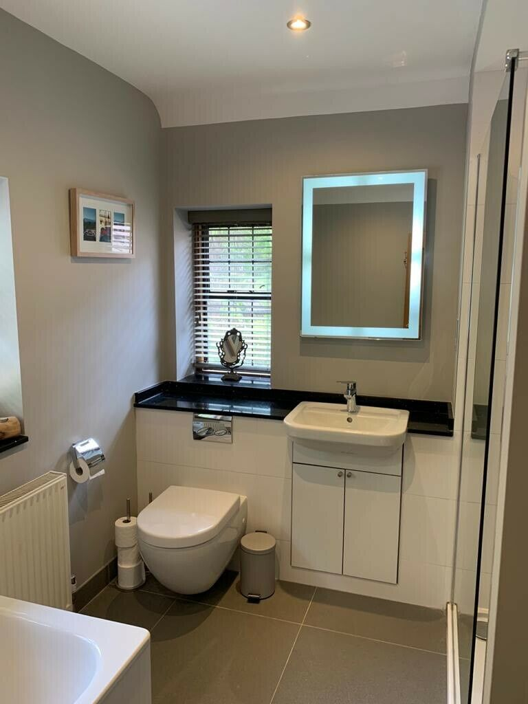 Bathroom suite for sale | in Guildford, Surrey | Gumtree