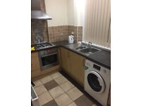 2 BEDROOM COTTAGE FLAT IN LOCHFIELD PAISLEY £500PCM