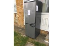 Fridge freezer works fine £free