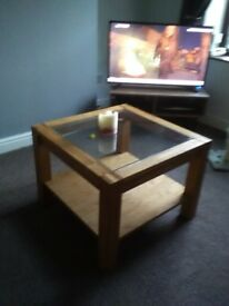 Pine coffee table excellent condition