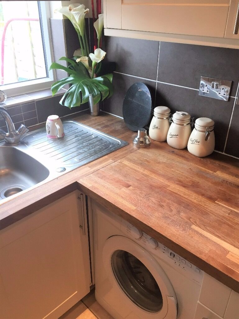 PROPERTY HUNTERS ARE PLEASED TO OFFER A 1 BED FLAT TO RENT IN HORNCHURCH FOR £900PCM !