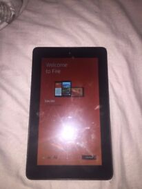 AMAZON FIRE 7' TABLET + free foldable case (no micro-usb charging cable)