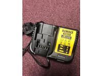 Dewalt battery charger DCB113, original