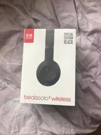 Beats solo 3 wireless black brand new