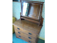 Antique Oak Dressing Chest in Arts & Craft Style. Chest of drawers with three drawers and Mirror