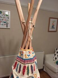 Large children's teepee/wigwam. Thick cotton with wooden poles