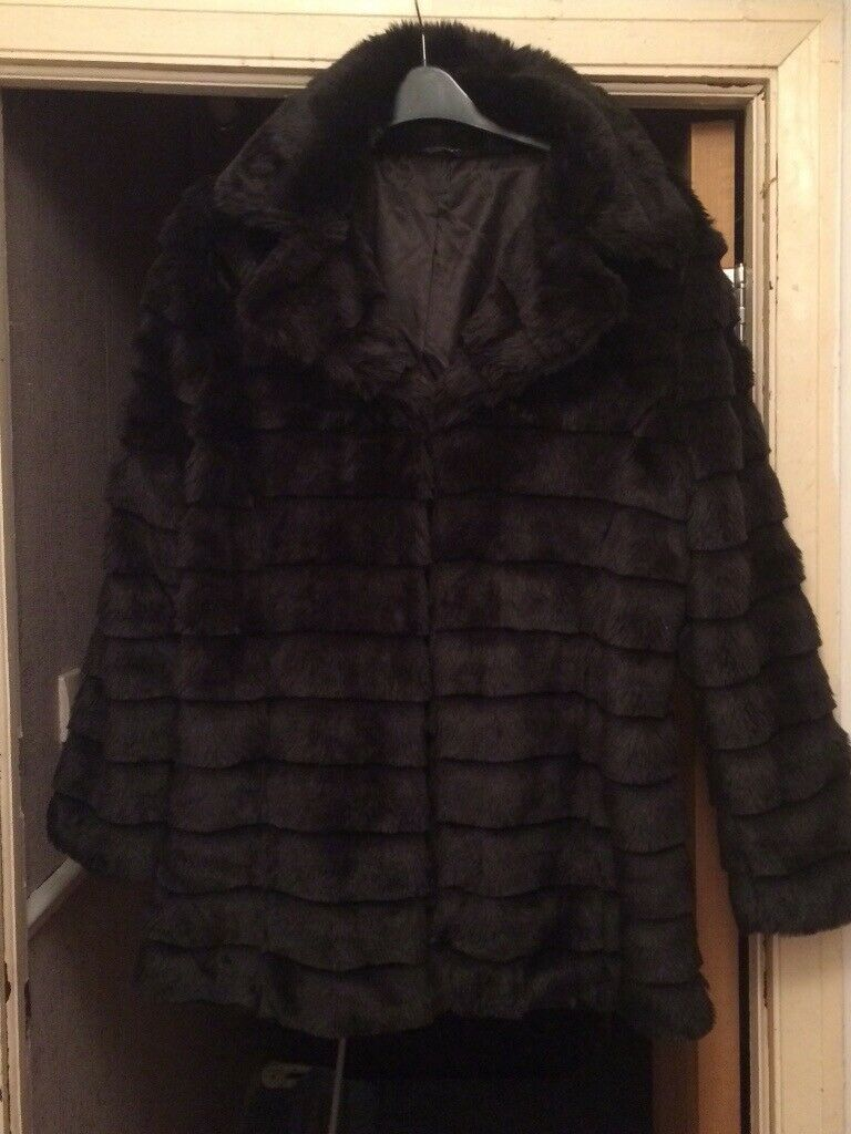 c9e3cce0d76 Ladies black fur jacket size 18