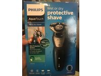 Philips Aquatouch Rechargeable Shaver
