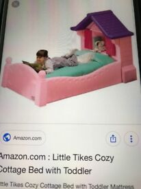 Toddler bed Little tykes good condition