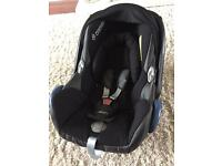 Maxi-Cosi Car Seat & Isofix base. For use from birth 0-13 kg