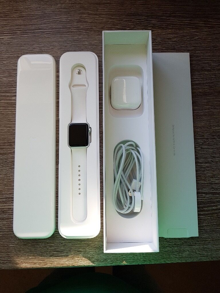 Apple Watch 38mm aluminium white sport strap perfect conditionin Chellaston, DerbyshireGumtree - Apple Watch 38mm with aluminium white sport strap Comes with original box, packaging and instructions Perfect condition Willing to travel to Derby City Centre to meet