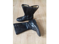 Classic leather Bike boots size 9.
