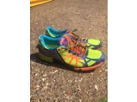 Men's ASICS size 11 running shoe