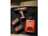 Snap on cteu8850 18v impact wrench plus x2 4.0ah battery's