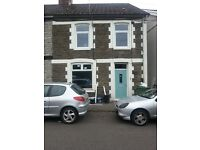 2 rooms to rent in shared house.