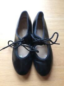 Tap Shoes UK size 13