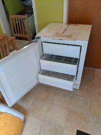 Integrated freezer under counter. St.Helens