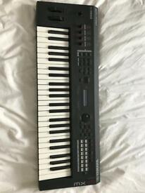 Yamaha MX49 keyboard