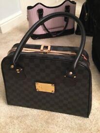 2 Ladies hand bags