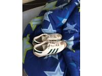 Adidas country trainers