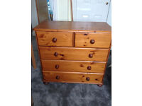 Lovely Solid Pine Chest of 5 Drawers