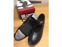 Capezio Tele Tone Tap Shoes (ladies size 5)
