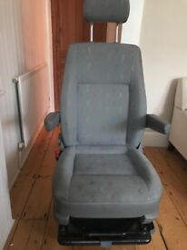 T5 Front captain seat (Passenger) great condition.