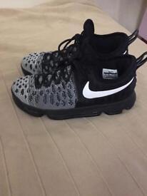 Nike basketball trainers size 7