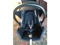 2 x Maxi Cosi Cabriofix car seat excellent condition! Black and Red!