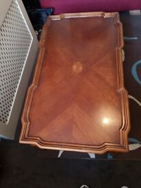 Big antique looking, solid wood coffee table, 15 quid