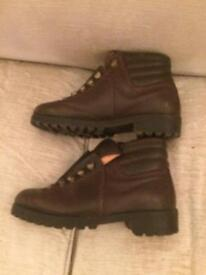 Walking / Hiking boots