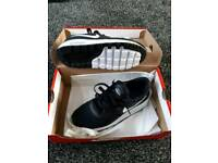 Nike trainer size 6 boys